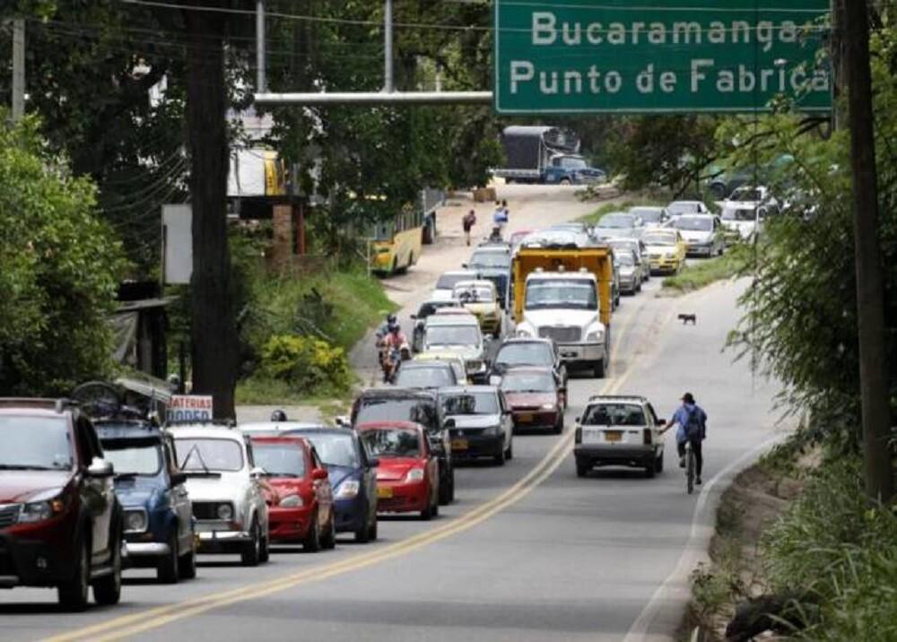 370586_BLU Radio: Vía Piedecuesta / Foto: Suministrada
