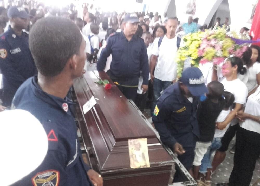 335542_BLU Radio. La marcha fue encabezada por el cuerpo de la menor // Foto Suministrada