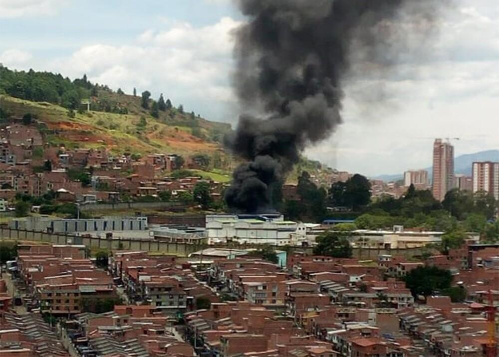 341501_BLU Radio. Incendio en la cárcel Bellavista / Foto: Cortesía