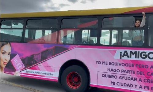 Publicidad de Epa Colombia en TransMilenio.JPG