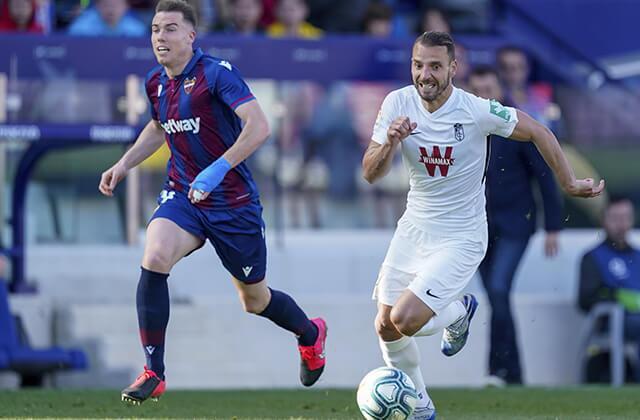 334328_Acción de juego de la Liga de España