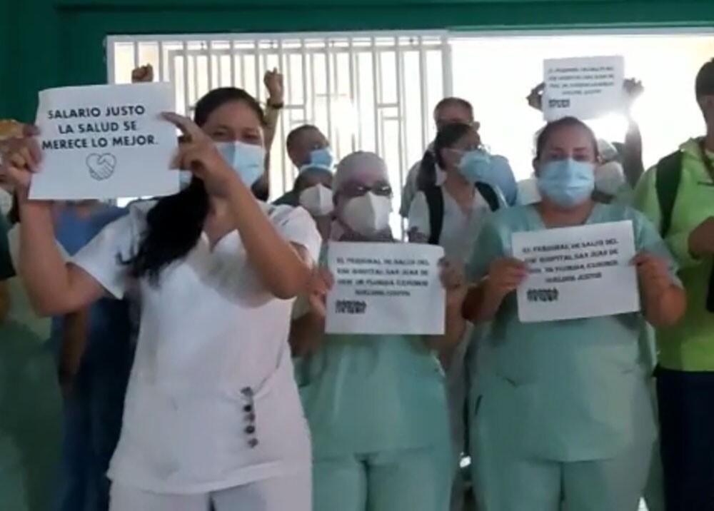protesta hospital.jpg