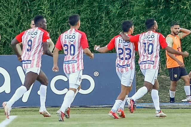 Celebración del Junior de Barranquilla, tras su gol