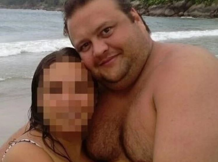 muere motociclista al chocar con carro que conducía su padre