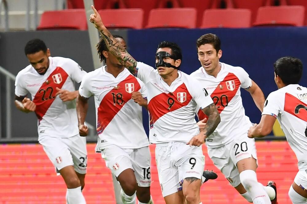 Gianluca Lapadula Perú AFP.jpeg