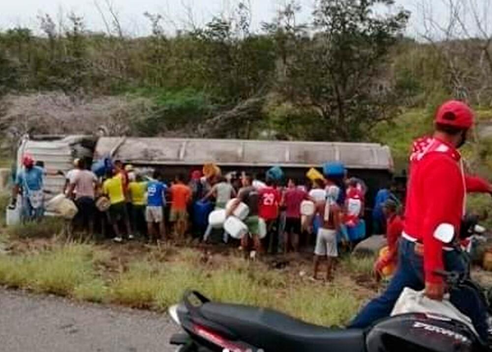 370050_Tragedia en Magdalena por explosión de carrotanque con combustible // Foto: captura video suministrado