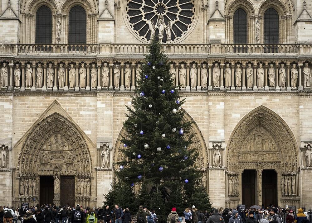 351227_BLU Radio. Catedral de Notre Dame en navidad / Foto: AFP