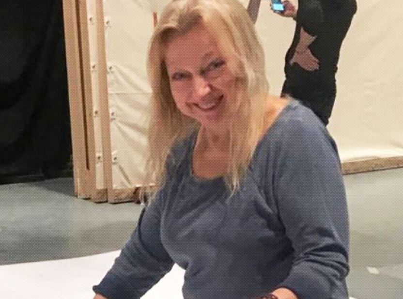 evelyn sakash fue hallada muerta bajo cosas que acaparaba en su casa