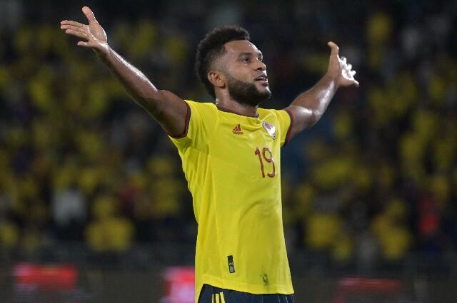 Miguel Ángel Borja, con la Selección Colombia frente a Chile