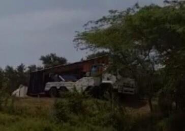 mula que se volcó en la vía cienaga-Barranquilla.jpeg