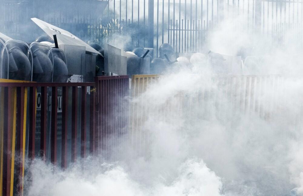 Gases lacrimógenos / AFP, imagen de referencia
