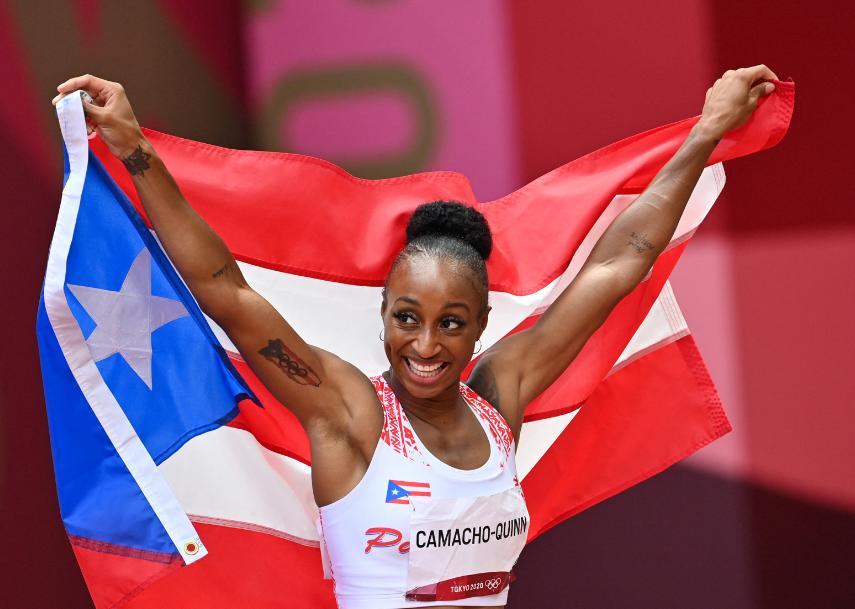 Jasmine-Camacho-Quinn ganó oro en los 100 m vallas de los Juegos Olímpicos Tokio 2020.