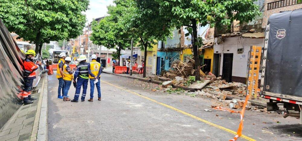 Colapso de casas en Manrique, Medellín.jpg