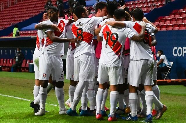 Victoria de Perú sobre Venezuela