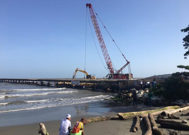 340574_Blu Radio/ Foto de inicio de demolición del muelle de Puerto Colombia. Foto: BLU Radio