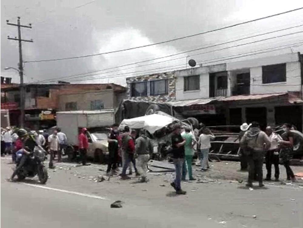 Grave accidente de tránsito en la vía Bogotá-Girardot