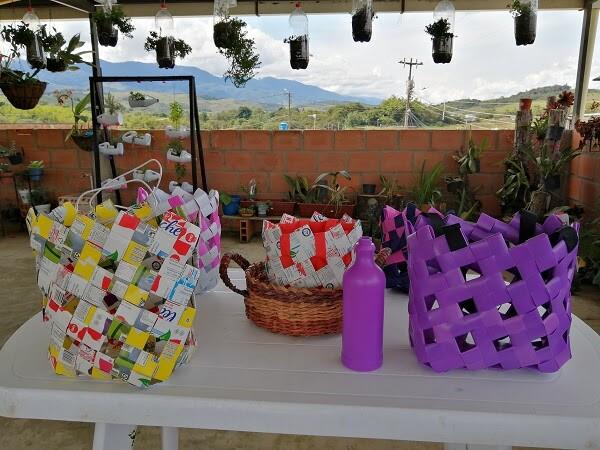canastos reciclables en restrepo valle del cauca.jpg