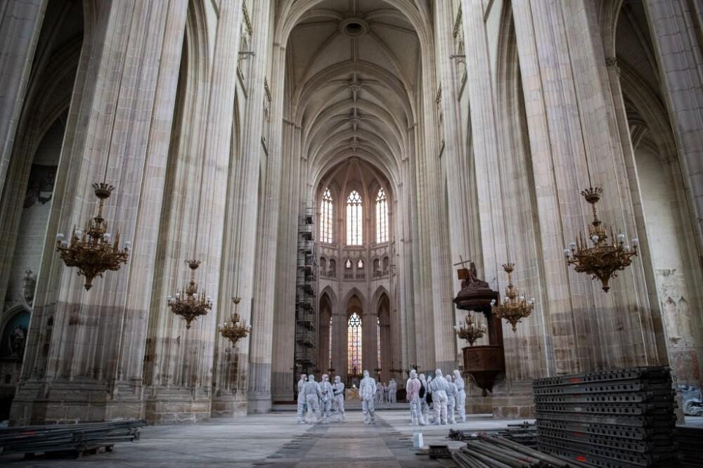 Un cura asesinado en Francia, presuntamente a manos de autor de incendio de catedral de Nantes