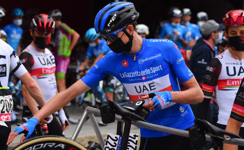 Joe Dombrowski se retiró del Giro de Italia 2021.