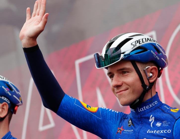 Remco Evenepoel se retiró del Giro de Italia en la etapa 17.