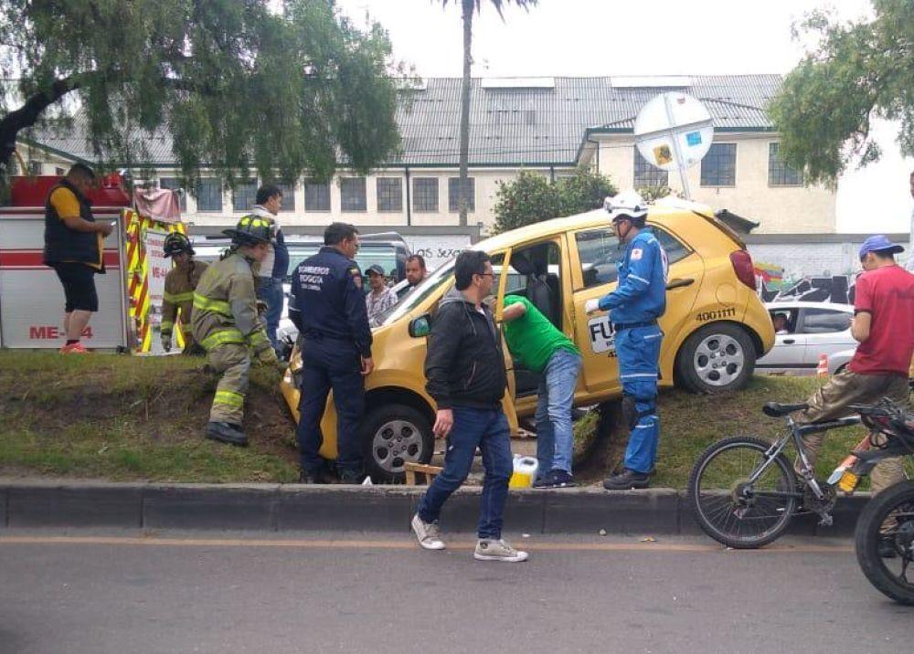351948_BLU Radio. Accidente en Bogotá / Foto: Bomberos Bogotá