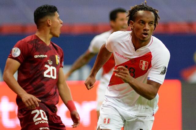 Gol de André Carrillo en Venezuela contra Perú