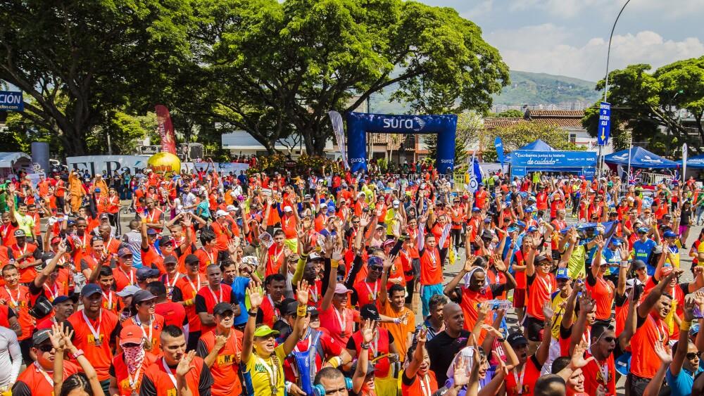 285153_Blu Radio / Alrededor de 10 mil corredores engalanaron las calles de Cali en la Media Maratón. Foto: cortesía