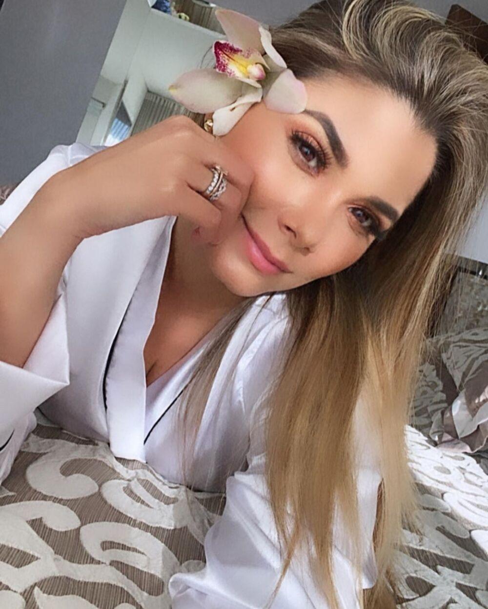 Melissa Martínez confiesa que come papel