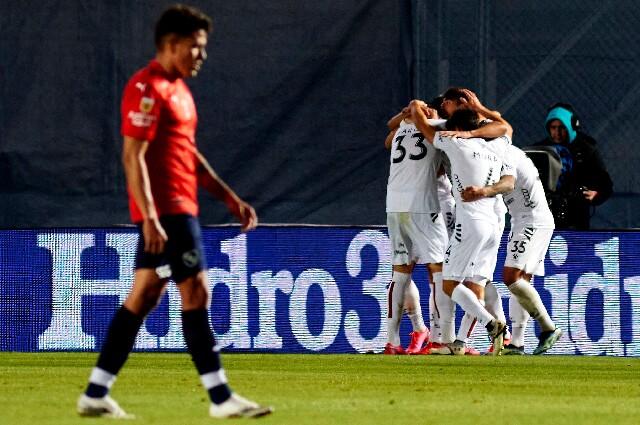 Triunfo de Colón sobre Independiente