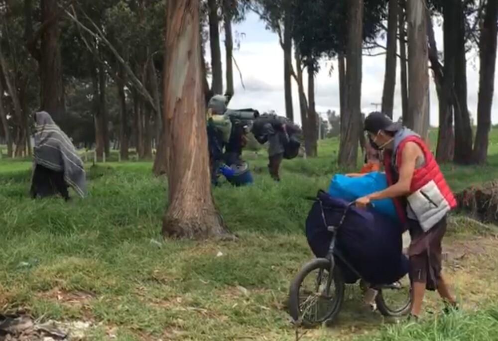 Desalojan a manifestantes de Primera Línea de lote en Tinta