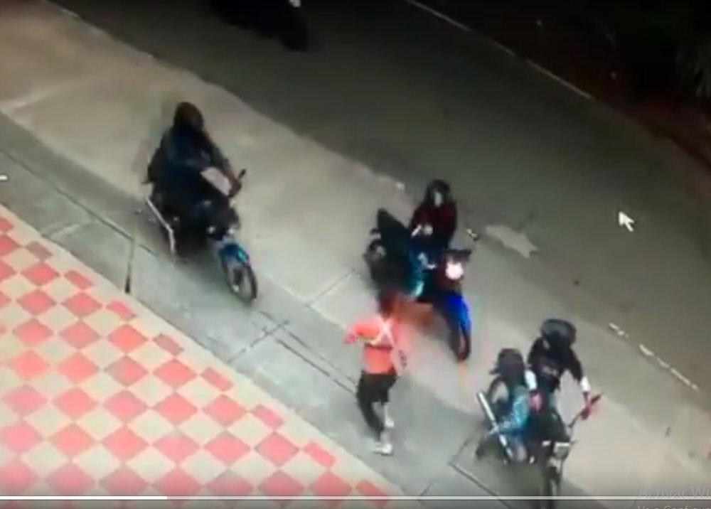 ladrones en moto atracan a joven deportista en cali.jpg