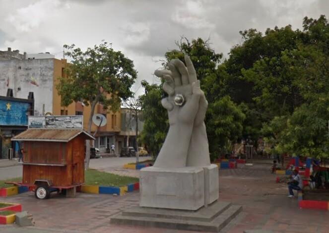 Monumento de los novios.jpg