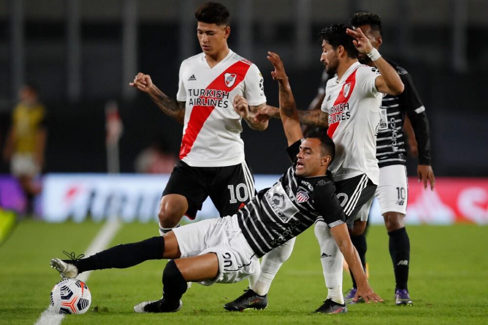 Jorge Carrascal River Plate Junior 280421 AFP E.jpg