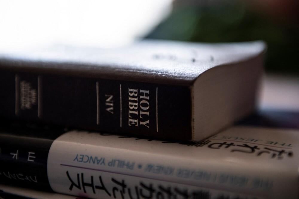 biblia AFP.jpeg