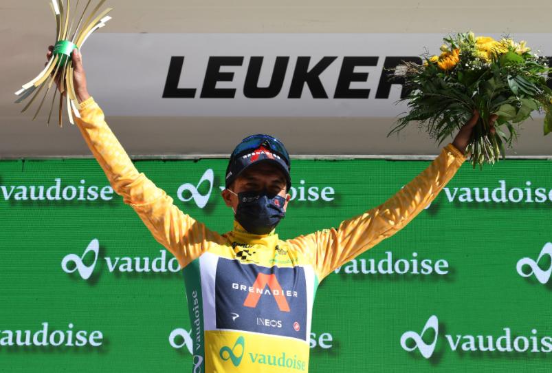 Richard Carapaz ganó la etapa 5 de la Vuelta a Suiza y es nuevo líder.