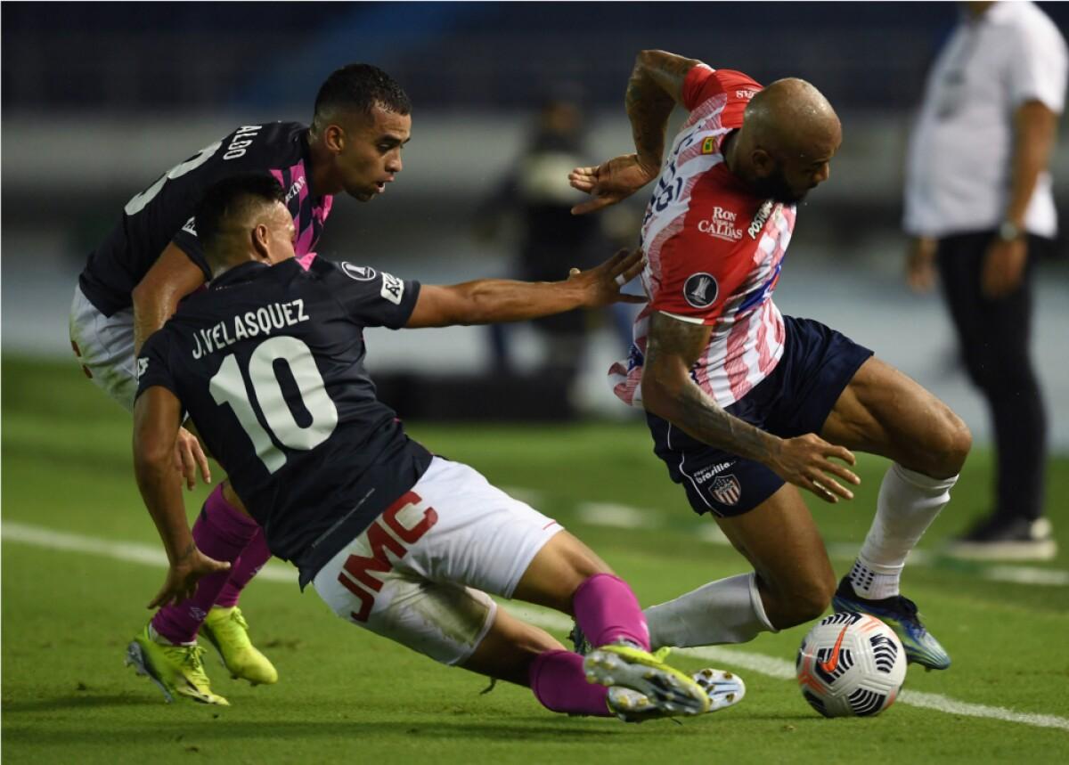 Junior vs Santa Fe_AFP.jpg