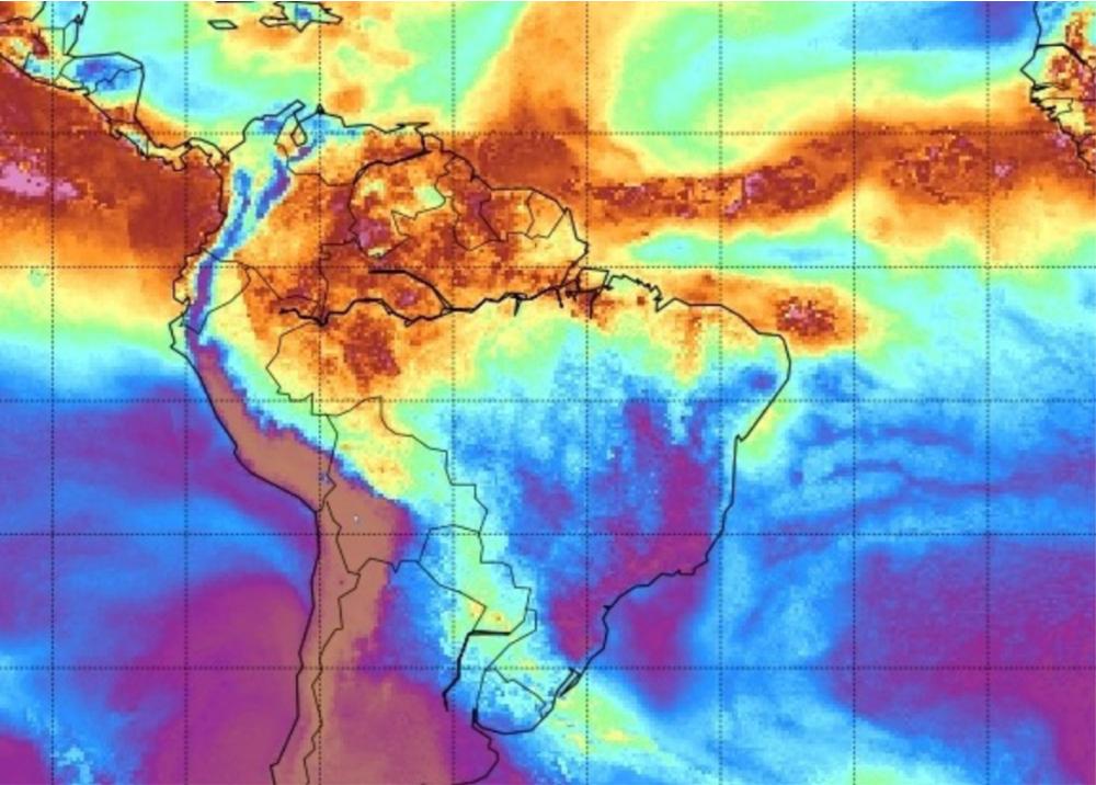 368844_Alerta por polvo del Sahara - Foto: Space Science & Engineering Center