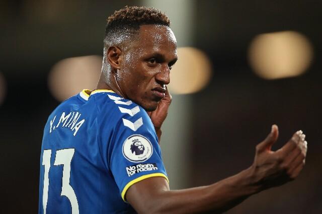 Yerry Mina, con la camiseta del Everton, en Premier League
