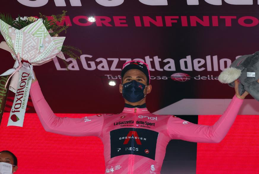 Filippo Ganna es el líder del Giro de Italia 2021.