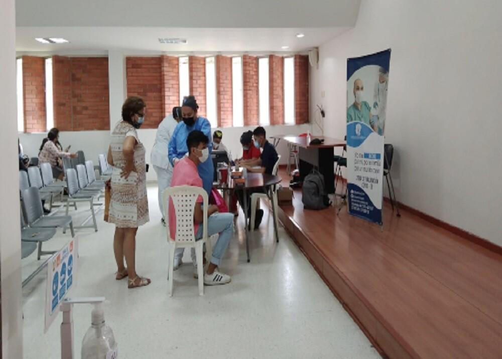 vacunación colegio.jpg
