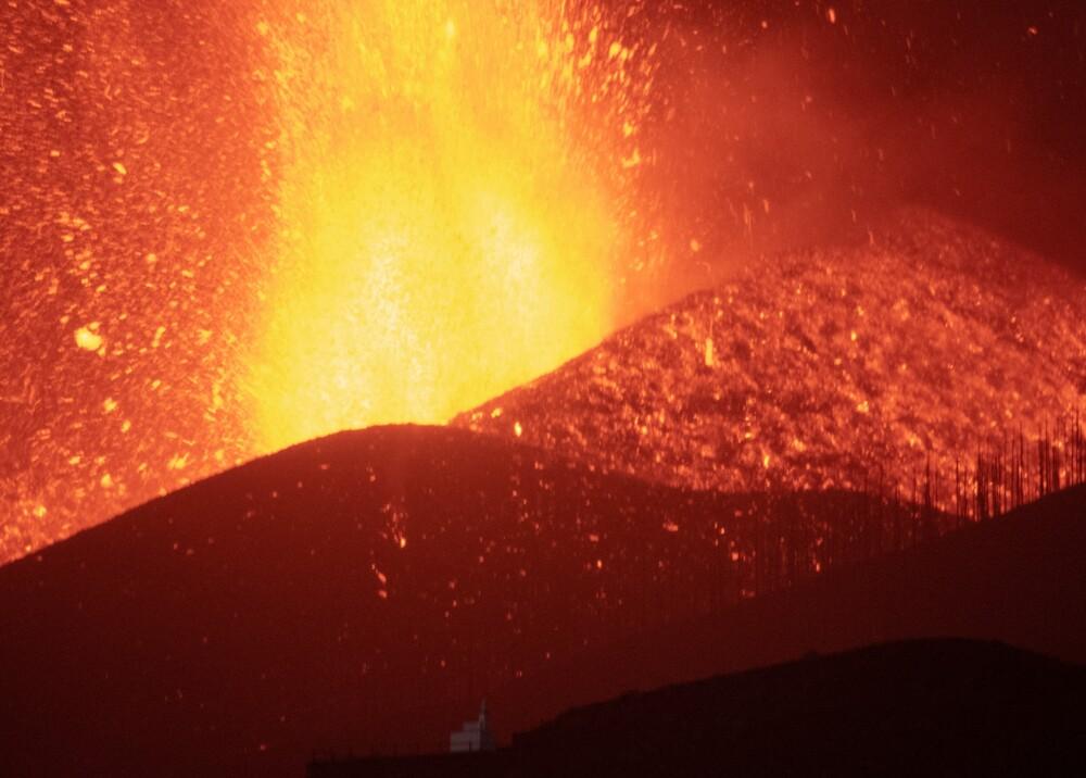 Volcán en isla de Palma Foto AFP.jpg