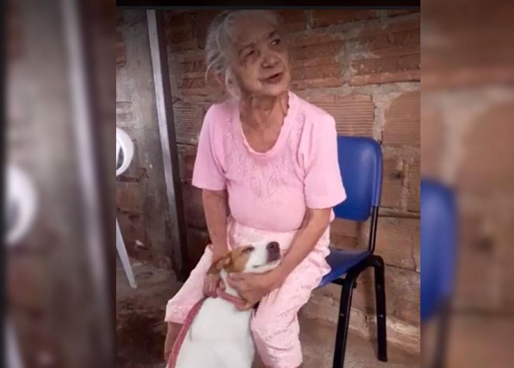 humilde mujer que encontró a palomo, su perro.jpg