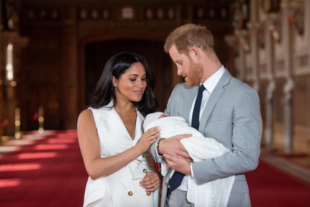 Meghan Markle y el príncipe Enrique con su hijo, Archie Harrison Mountbatten-Windsor