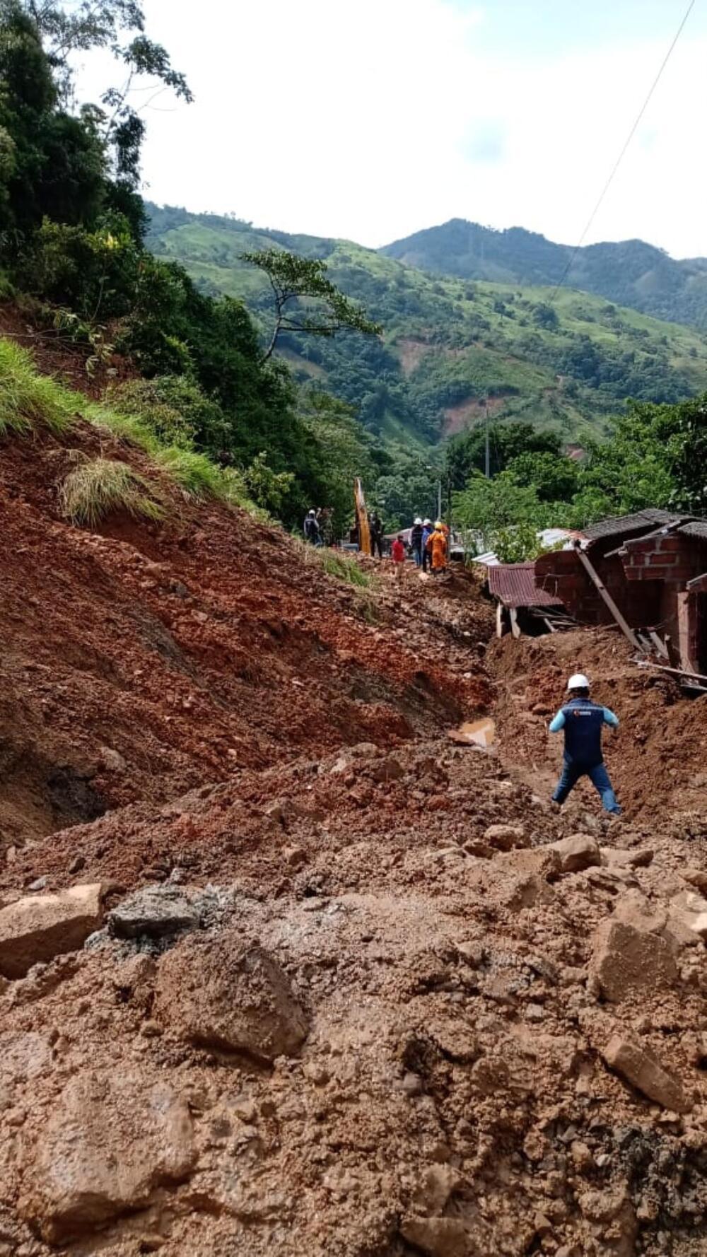 373422_Deslizamiento de tierra en la vía que de Medellín conduce a la costa. Foto: Cortesía