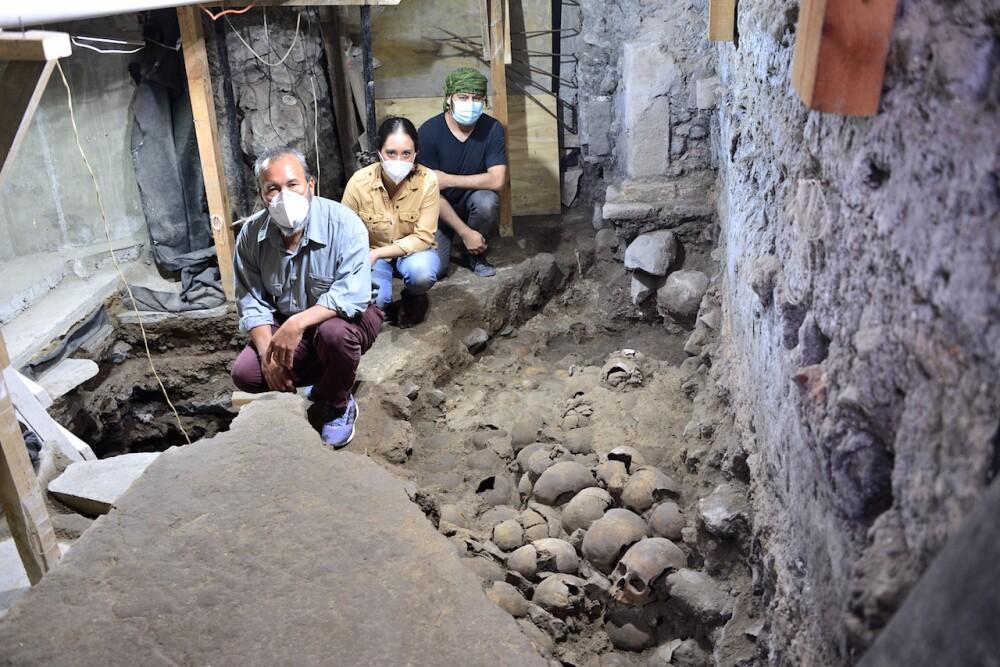 Cráneos descubiertos en un edificio en remodelación en el centro histórico de Ciudad de México