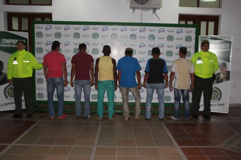 302490_BLU Radio. Capturan seis personas cuando estaban extrayendo oro de río en Santander/ foto: Policía de Bucaramanga