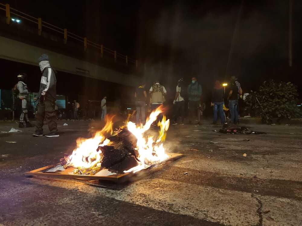 caos durante protestas del paro nacional en cali.jpeg