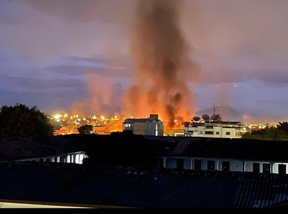incendio durante protestas en popayan cauca.jpg