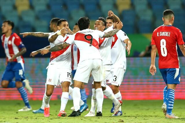 Perú frente a Paraguay