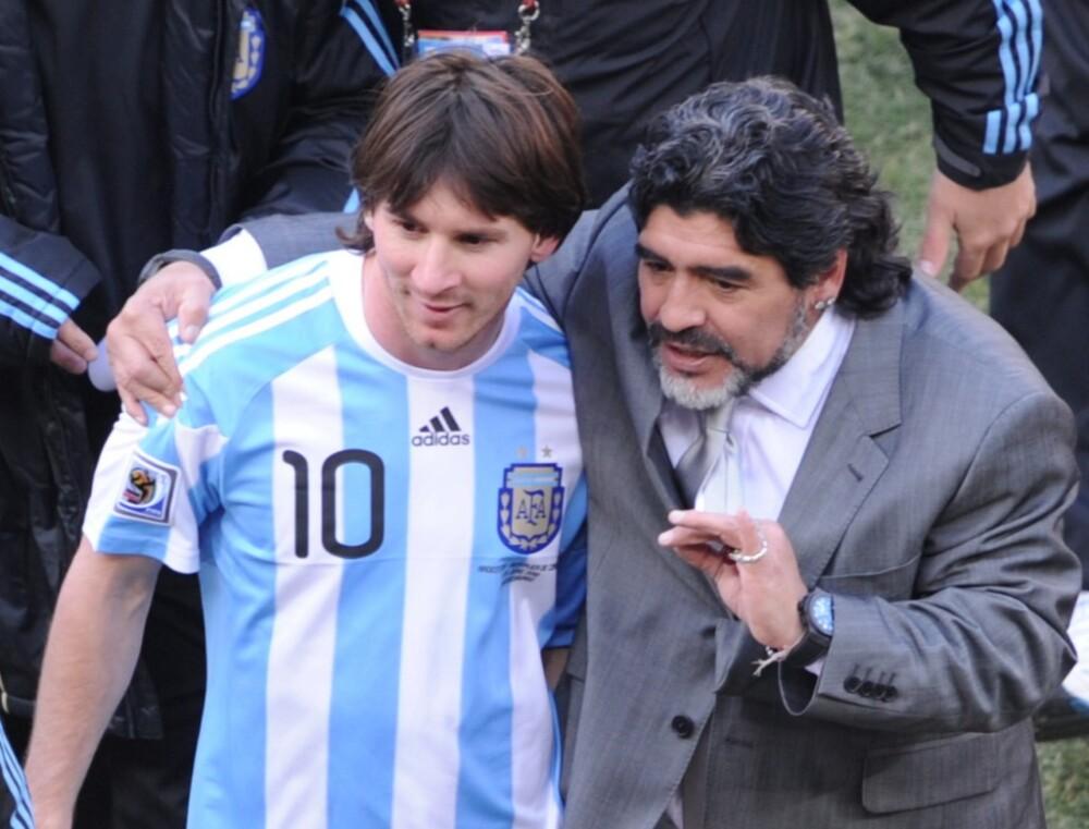 Lionel Messi y Diego Maradona. Foto AFP